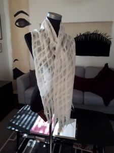 Grid patterned scarf. Milk series.